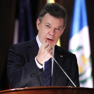 Juan Manuel Santos talar