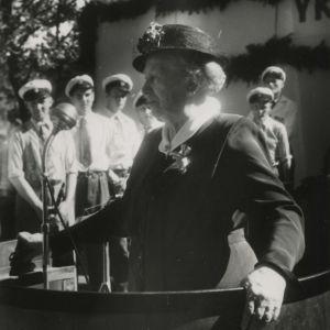 Miina Sillanpää talar.