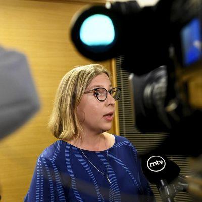 Tytti Yli-Viikaria kuultiin kansliatoimikunnassa