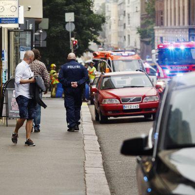 Bild på olycksplatsen från Annegatan mot korsningen vid Lönnrotsgatan.