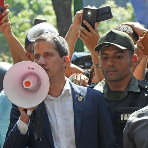 Oppositionsledaren Juan Guaido talar den 30 april 2019.