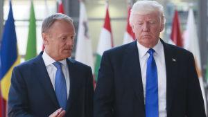 President Trump träffar rådsordförande Tusk i Bryssel.