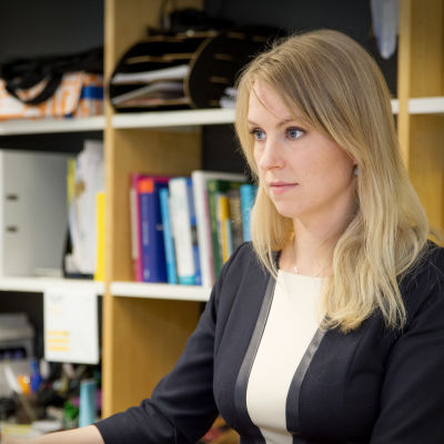 Porträtt på ekonomichef Marika Häggman vid HU.