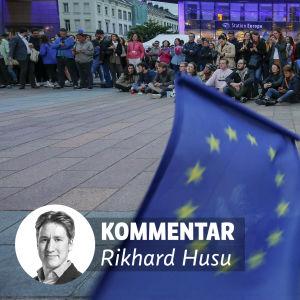 Kommentar av Rikhard Husu. På bilden, personer i Bryssel som väntar på valresultatet.