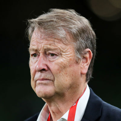 Åge Hareide från Norge fungerar som Danmarks förbundskapten.