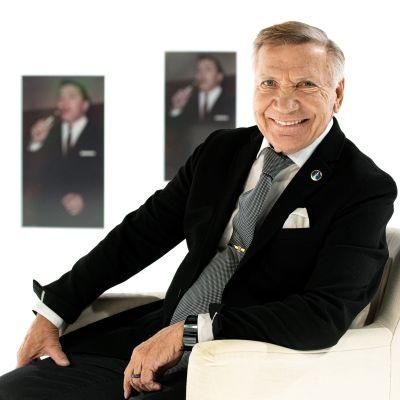 Laulaja Eino Grön kertoo elämästään ja urastaan.