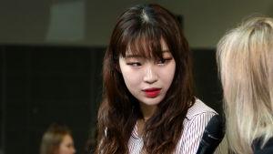 Korealaispianisti Jiyoung Kim Ylen haastattelussa.
