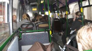 Buss i morgontrafik