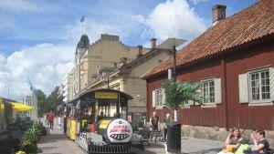 Åtåget Jokke är en ny service som erbjuds för turister och åbobor i sommar.