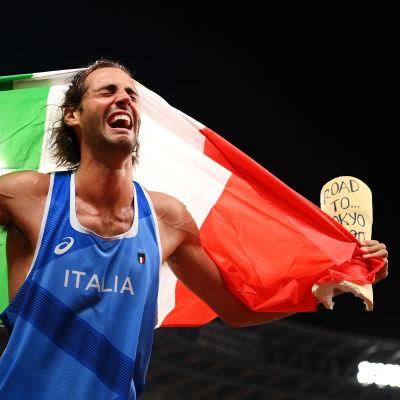 Korkeushyppääjä Gianmarco Tamberi riemuitsi jaettua olympiakultaa Tokiossa