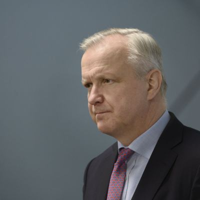 Näringsminister Olli Rehn meddelade om ändringar i elmarknadslagen.