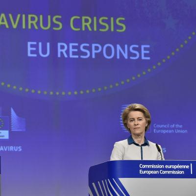 Eurooppaneuvoston puheenjohtaja Charles Michel ja komission puheenjohtaja Ursula von der Leyen.