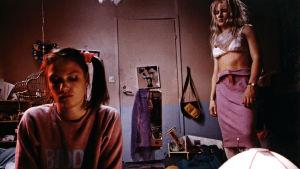 Mari Rantasila ja Ilkka Merivaara elokuvassa Lauran huone (1988)