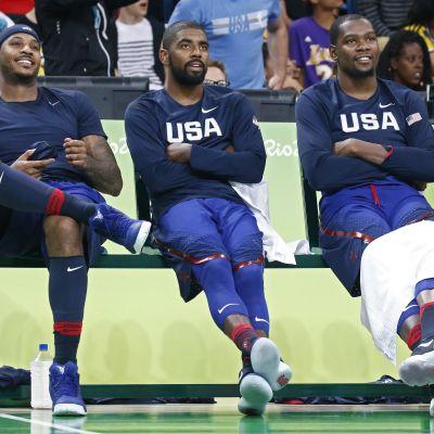 Carmelo Atnhony, Kyrie Irving ja Kevin Durant