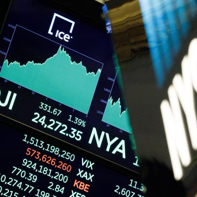 Dow Jones passerade 24 000 i slutet av november 2017.