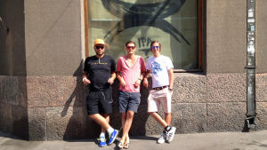 Joakim Stenius, Marko Aikio och Niklas Roiha, som står bakom Brewdog baren i Femkanten