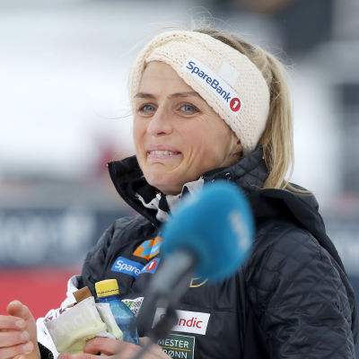 Therese Johaug i målområdet i Ruka 2020.