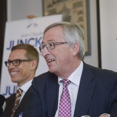 Bild på tre politiker