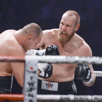 Robert Helenius boxas mot Johann Duhaupas.
