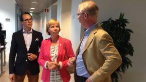 SFP-ministrarna besöker företaget Kiosked i Esbo