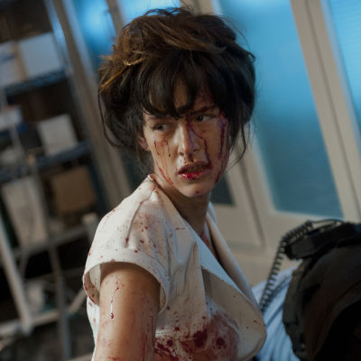En sjuksköterska från filmen Nurse 3D.