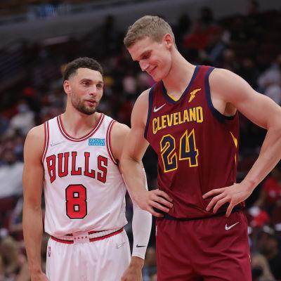 Viime NBA-kauden seurakaverit Zack LaVine ja Lauri Markkanen