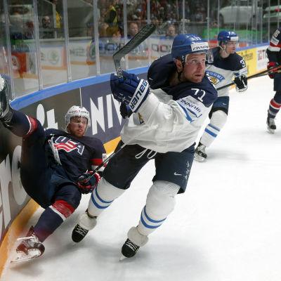 Leo Komarov avgjorde mot USA.