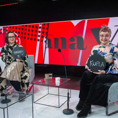Merituuli Saikkonen ja Emmi Nuorgam vieraina tv-ohjelmassa Viimeinen sana. 19.2.2021.