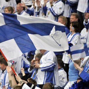 Finlands supportrar firar segern över USA.