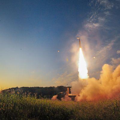 Sydkorea testade en serie missiler i natt som ett svar på Nordkoreas sjätte kärnprovsprängning under veckoslutet