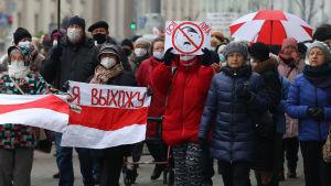 Demonstration mot Aleksandr Lukasjenko i Minsk den 16 november 2020.