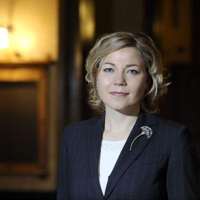 Förvaltnings- och kommunminister Henna Virkkunen.