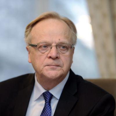 Arbetsminister Lauri Ihalainen.