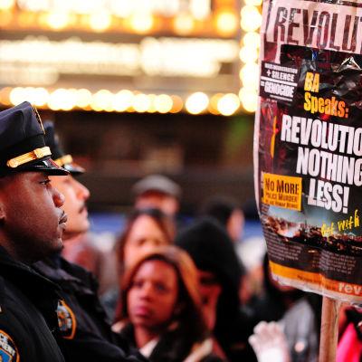 Demonstrationer mot polisens övervåld i USA efter dödsskjutningarna av flera svarta medborgare.