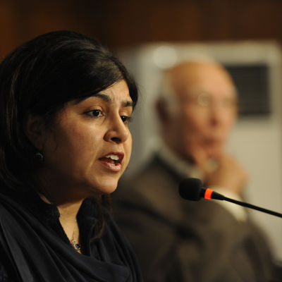 Torypolitikern Sayeeda Warsi på besök i Pakistan.