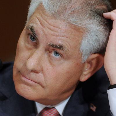 Rex Tillerson hörs av senatens finanskommitté som chef för Exxon Mobile i maj 2011.