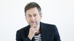 Porträttbild på författaren och journalisten Mats-Eric Nilsson.