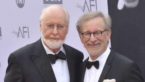 John Williams och Steven Spielberg under American Film Institues gala i Hollywood.