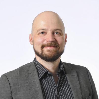 Kansanedustaja Mikko Kärnä, Suomen Keskusta.