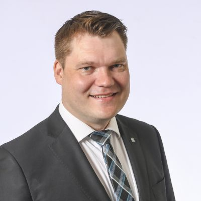 Kansanedustaja Mikko Savola, Suomen Keskusta.