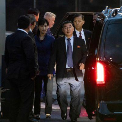 Den nordkoreanska förhandlingsdelegationen anländer till Stockholm