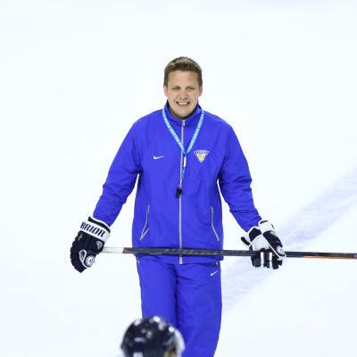 Lauri Marjamäki på isen.