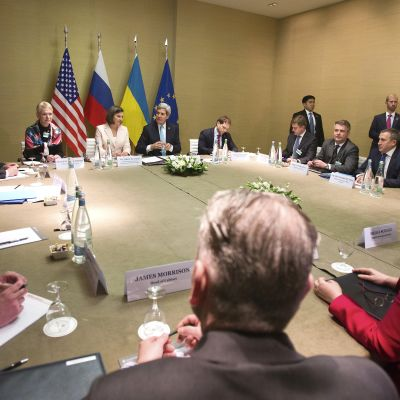 Ukrainasamtalen inleddes i Geneve 17 april.