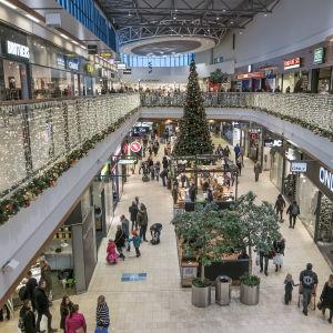 Julhandeln är i full gång i Vandaköpcentret Jumbo.