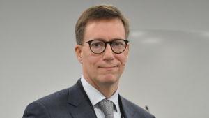 Profilbild på chefsöverläkare Mikko Pietilä.