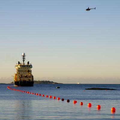 Cinia Group lägger ner havskabel till Tyskland i Finska viken.