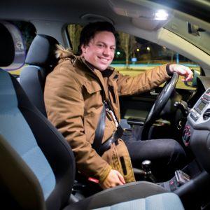 Benjamin Lundin, informatör i Ingå, har tagit initiativ till en samåkningsgrupp i kommunen.