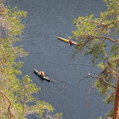 melojia järvellä
