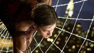 Hämähäkkimiehen hahmo, näyttelijä Tobey Maguire elokuvasta SPIDER-MAN 2.