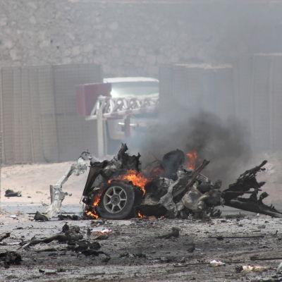 attack mot flygplatsen i somalias huvudstad mogadishu